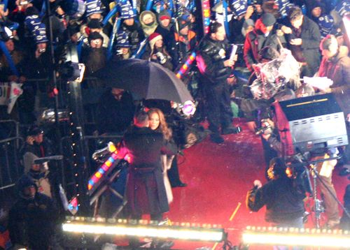 Jennifer lopez j lo ryan seacrest times square nyc new year's eve 2009 2010
