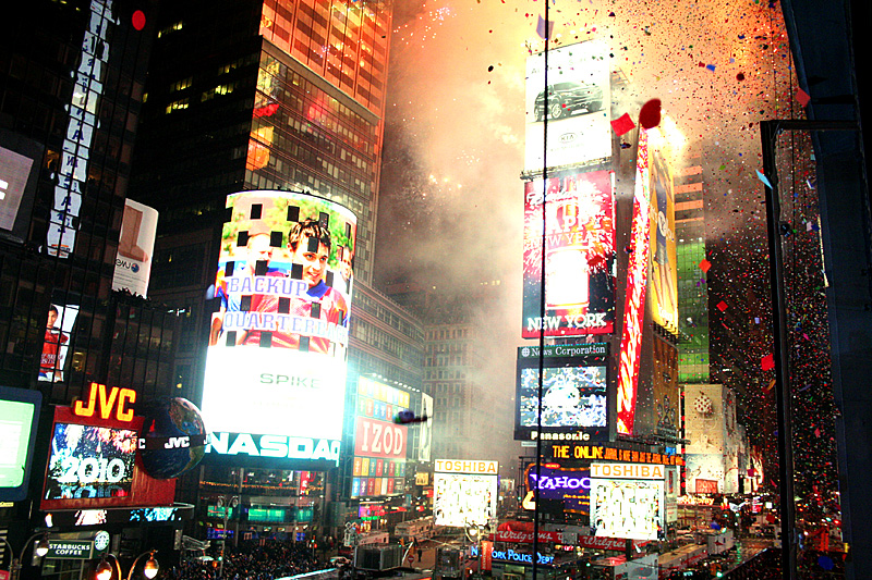 Beginning confetti new years eve times square nyc 2009 2010