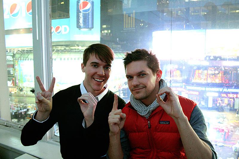 Josh & josh 2010 new years eve times square nyc 2009 2010
