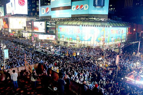 North times square crowd new years eve nyc 2009 2010