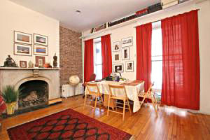 116_perry_street_apt_j59_living_room