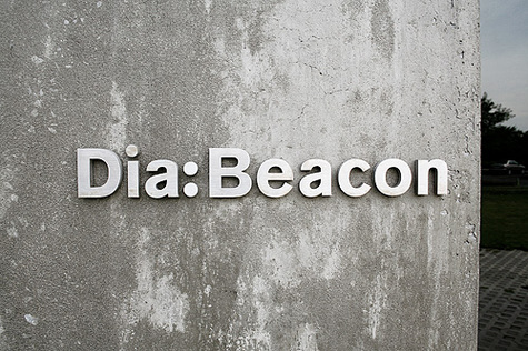 Dia_beacon_sign