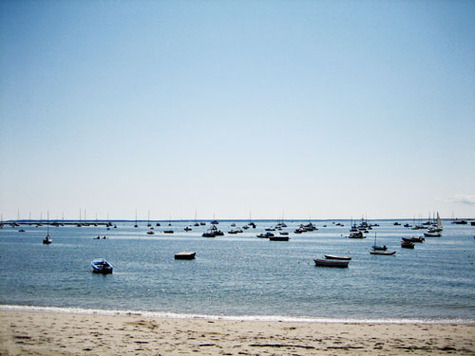 Provincetown_beach_and_boats_back_o